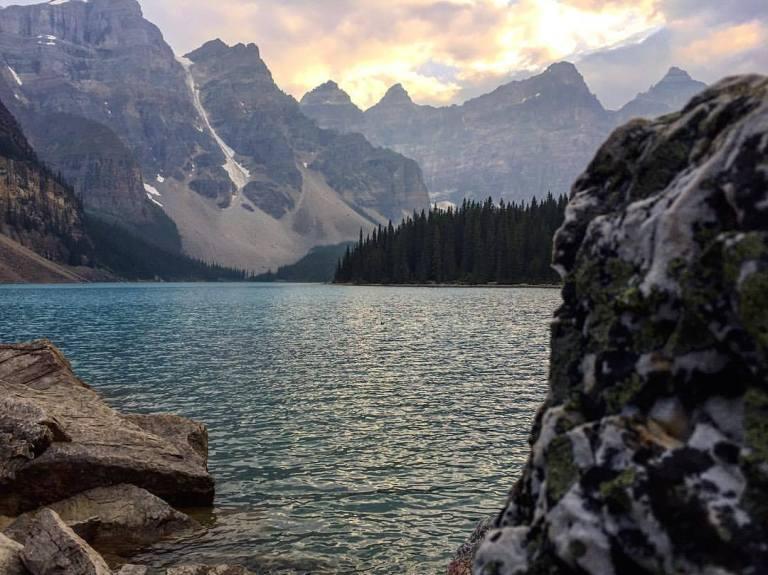 Moraine Lake Banff.jpg